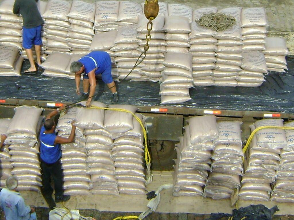 Loading pre-slung bagged sugar in Brazil